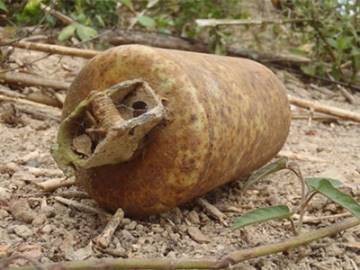 Unexploded ordnance item